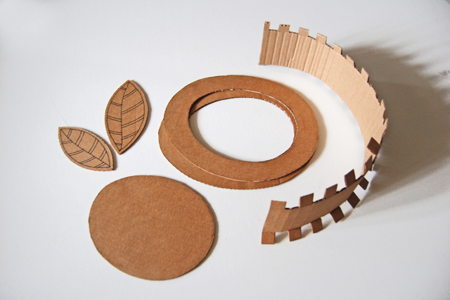 Cardboard hat_012