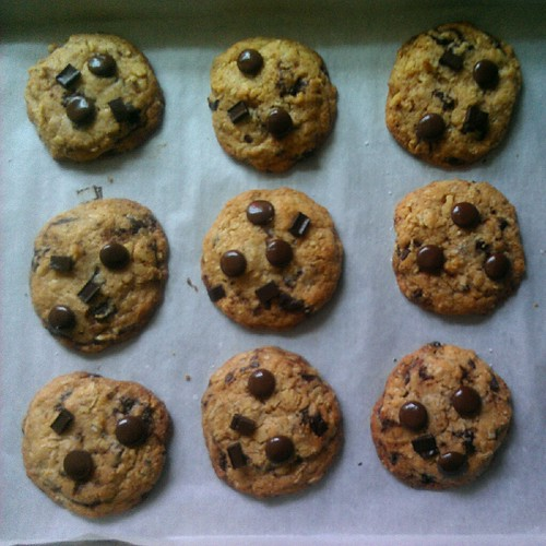 better chocolate-chip (oatmeal) cookies