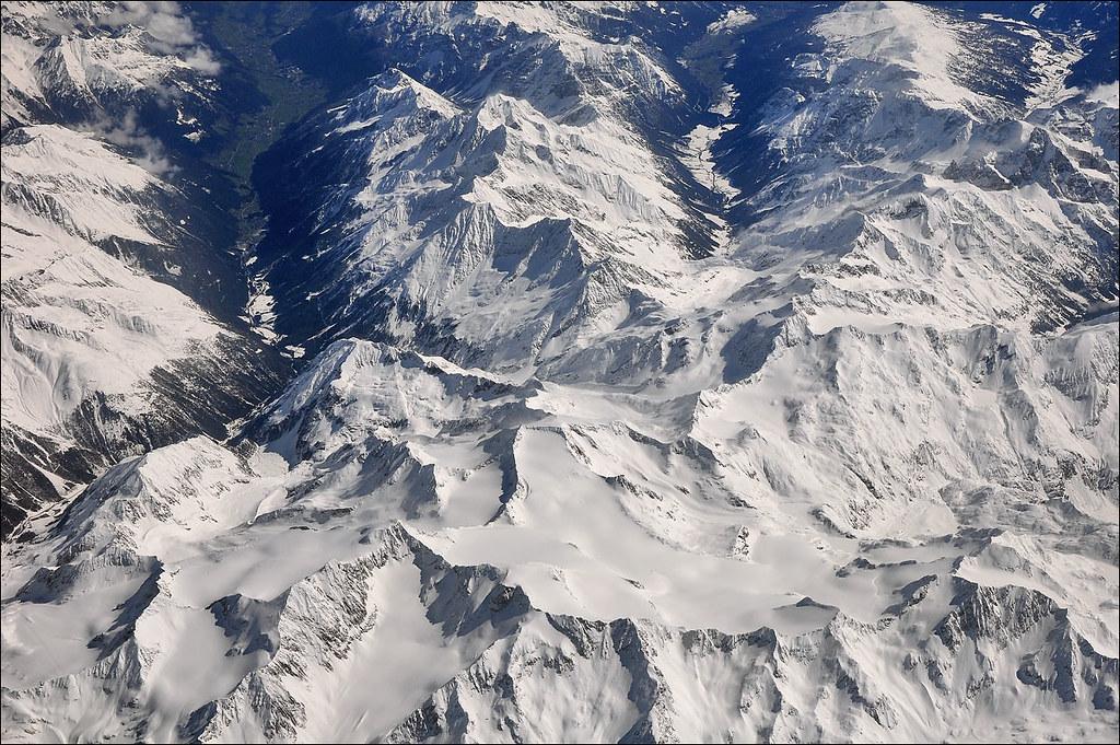 Le Alpi Orientali dal finestrino...dell'aereo!! 7248251478_323718571a_b