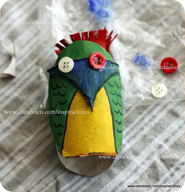 Manualidades: Hacer un búho con los niños con  rollos de papel higiénico