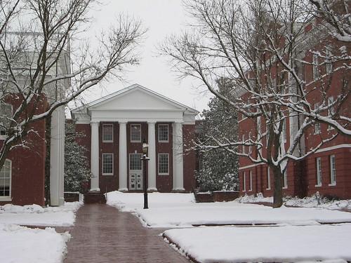 winter snow architecture neoclassical lexingtonvirginia washingtonandleeuniversity