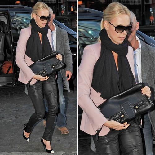 84df7ba9ee2eef8e_Charlize-Theron-pink-blazer.xxxlarge_1