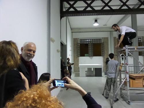 Fotografando la performance di Driant Zeneli by Ylbert Durishti