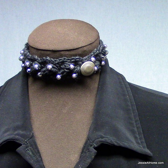 Beaded-Puff-Stitch-Choker-Free-Crochet-Pattern