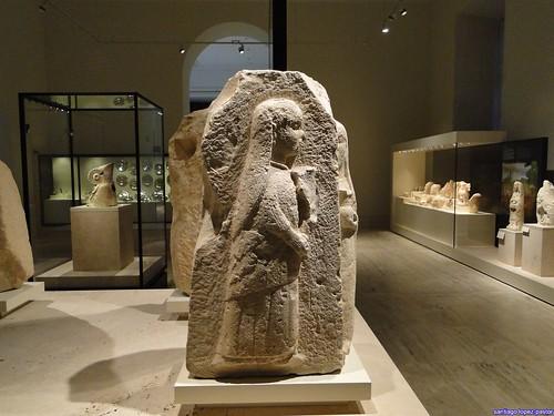 Jóvenes con ofrendas de Osuna (Museo Arqueológico Nacional)