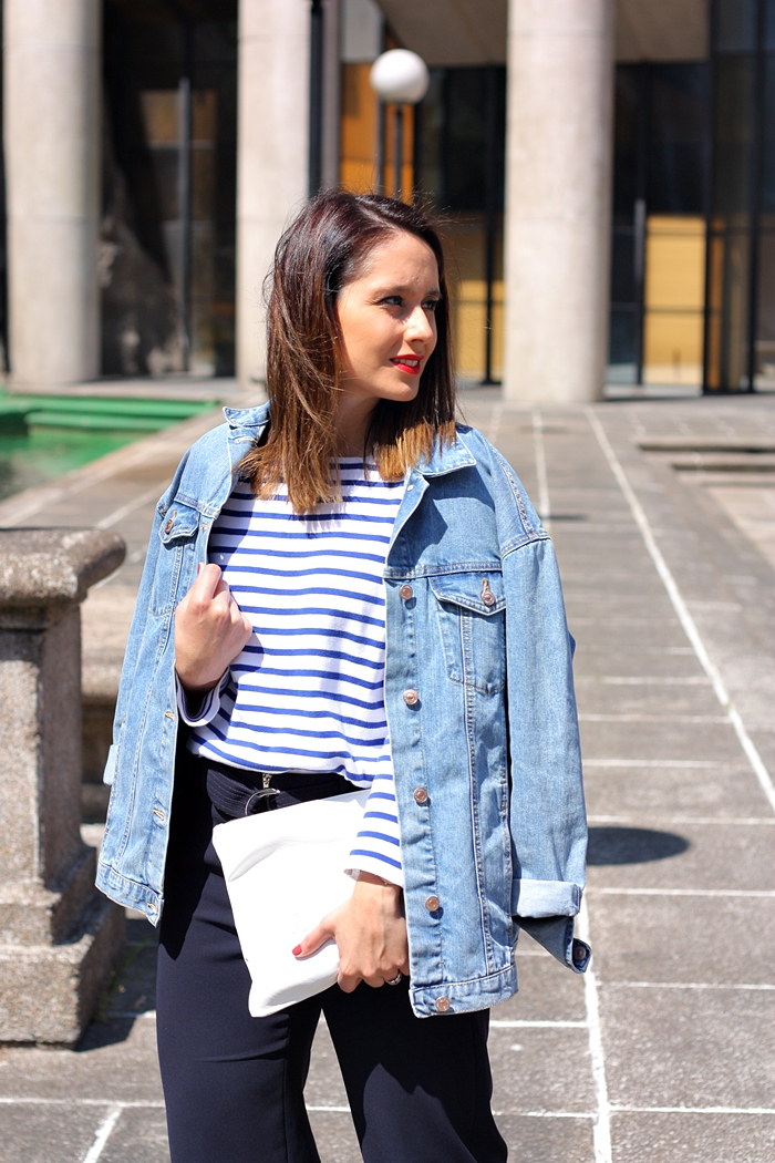 blogger_mix-outfit-street_style-stripes-denim_jacket-blue_marine-white_clutch