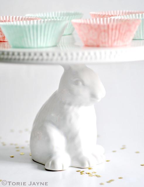 Bunny cake stand