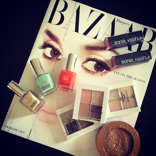 Reading & reviewing... @harpersbazaarus & @soniakashuk #magazine #makeup #fashion #beauty