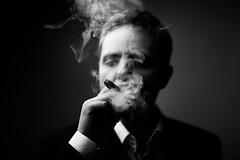 [フリー画像素材] 人物, 男性, 煙草・タバコ, モノクロ, ノルウェー人 ID:201204121600