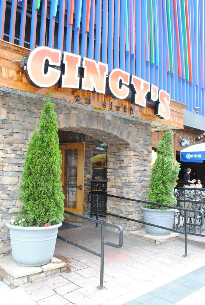 Cincy's on Sixth