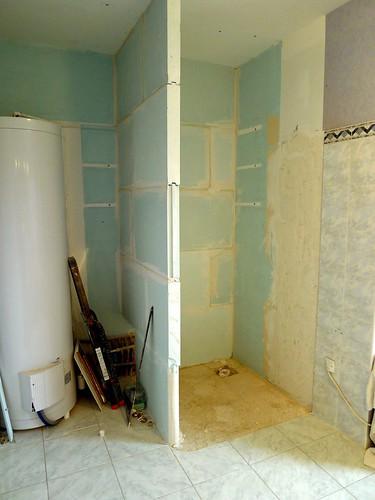 cloison hydrofuge salle de bain on a ralis luhabillage du. Black Bedroom Furniture Sets. Home Design Ideas