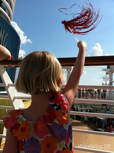 Disney Dream: sailing away party