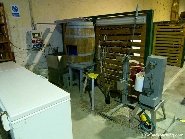 The equipment used to cork bottles of sparkling wine