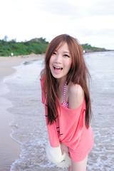 [フリー画像素材] 人物, 女性 - アジア, 笑顔・スマイル, 人物 - 海, 台湾人 ID:201206010800