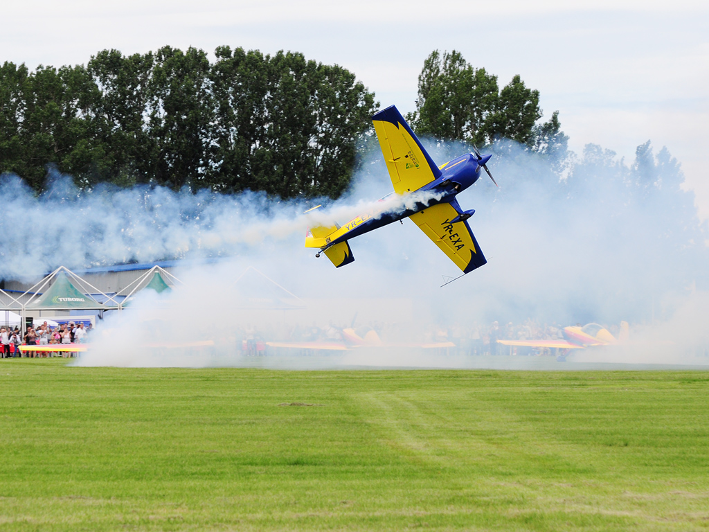 CLINCENI AIR SHOW 2012 - POZE 7335014026_b7c323e958_o