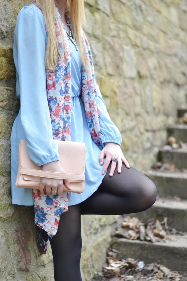 Outfit babyblaues Kleid (8)