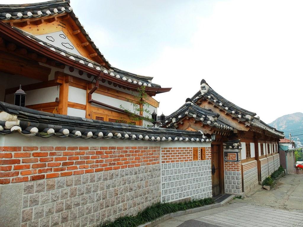 bukchon hanok village-samcheong dong