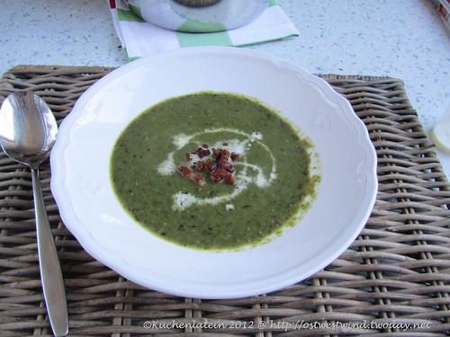 Linsen-Spinatsuppe mit Sahne und Bacon
