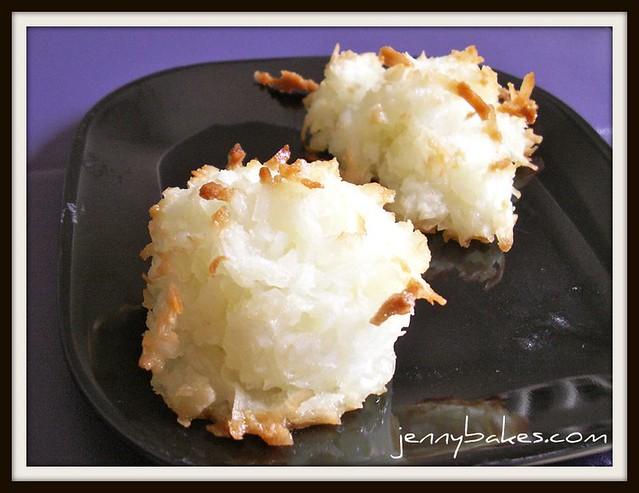 Skinny Coconut Macaroons