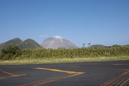 mountain japan island volcano airport kagoshima mishima da1645mm 薩摩硫黄島 三島村