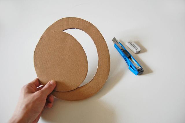 Cardboard hat_006