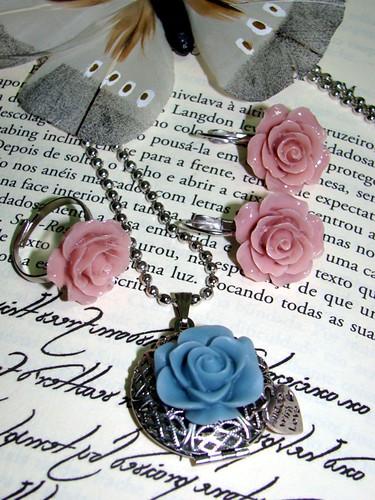 Colar locket, anel e brincos rosa e azul by kideias - Artesanato