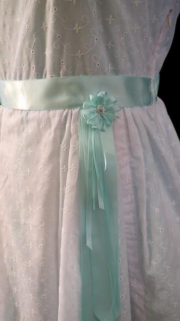 detail waist