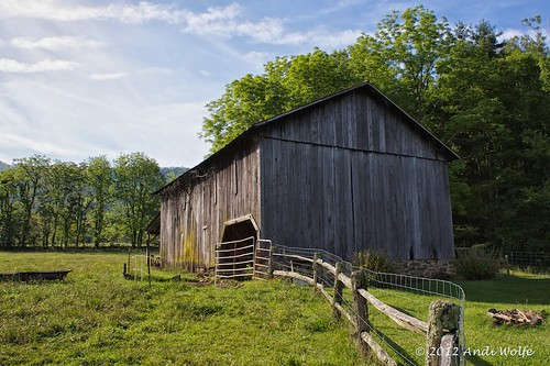 North Carolina Barn by andiwolfe