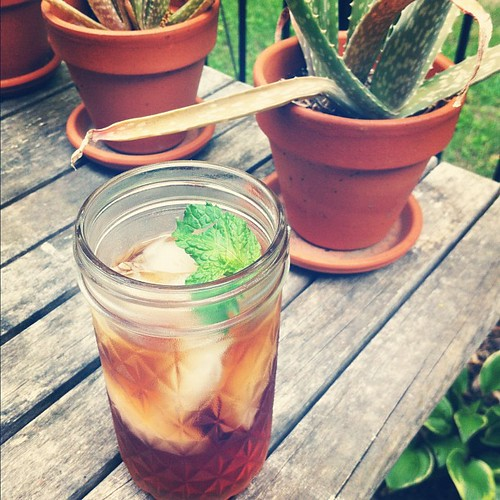 Sweet tea with mint in a mason jar #summer