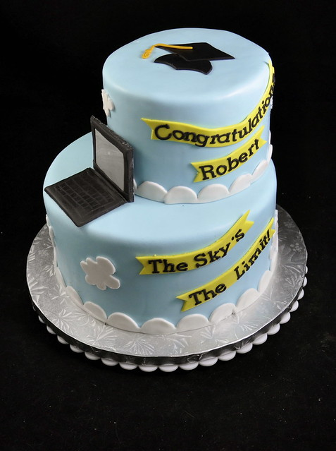 Graduation Cakes With Computers