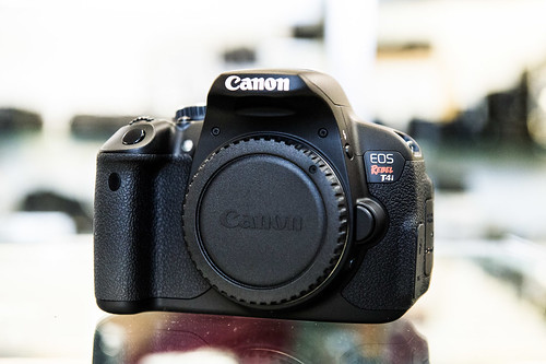Canon T4i 650D Unboxing
