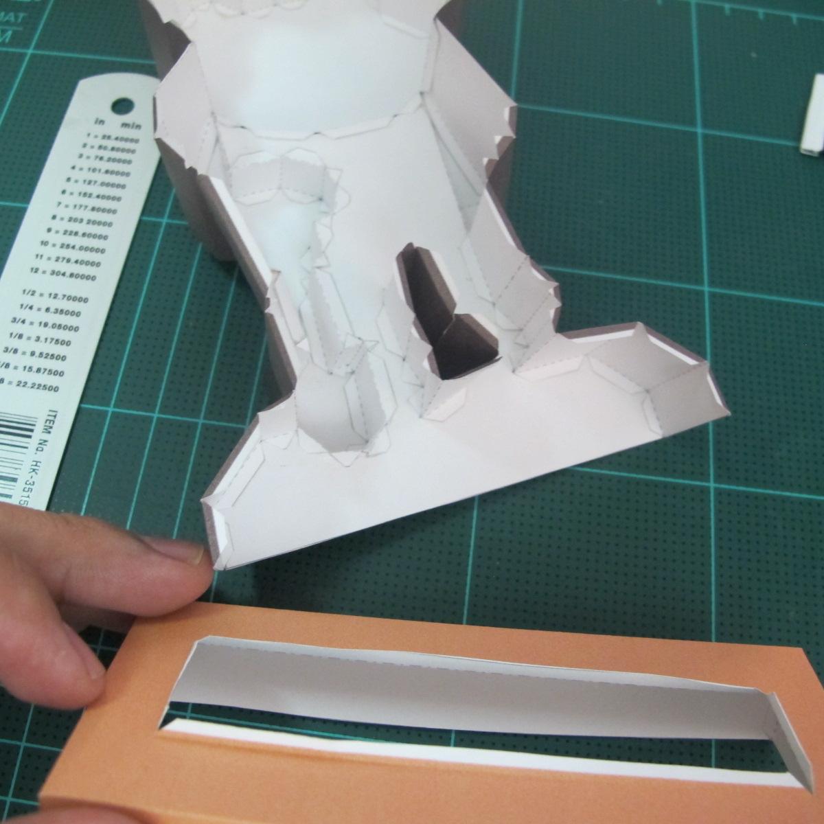 วิธีทำโมเดลกระดาษ ตุ้กตาไลน์ หมีบราวน์ ถือพลั่ว (Line Brown Bear With Shovel Papercraft Model -「シャベル」と「ブラウン」) 025