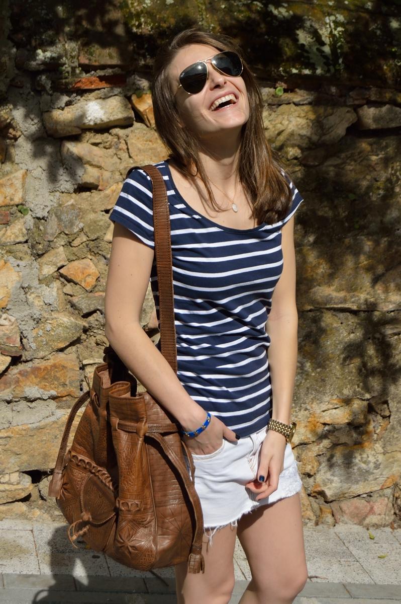 lara-vazquez-madlula-fashion-stripes-brown-bag-spring