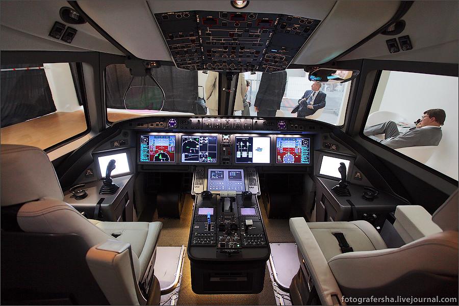 В кабине пилота самолета МС-21