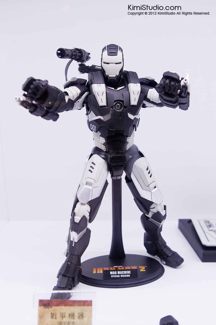 2011.11.12 HOT TOYS-103