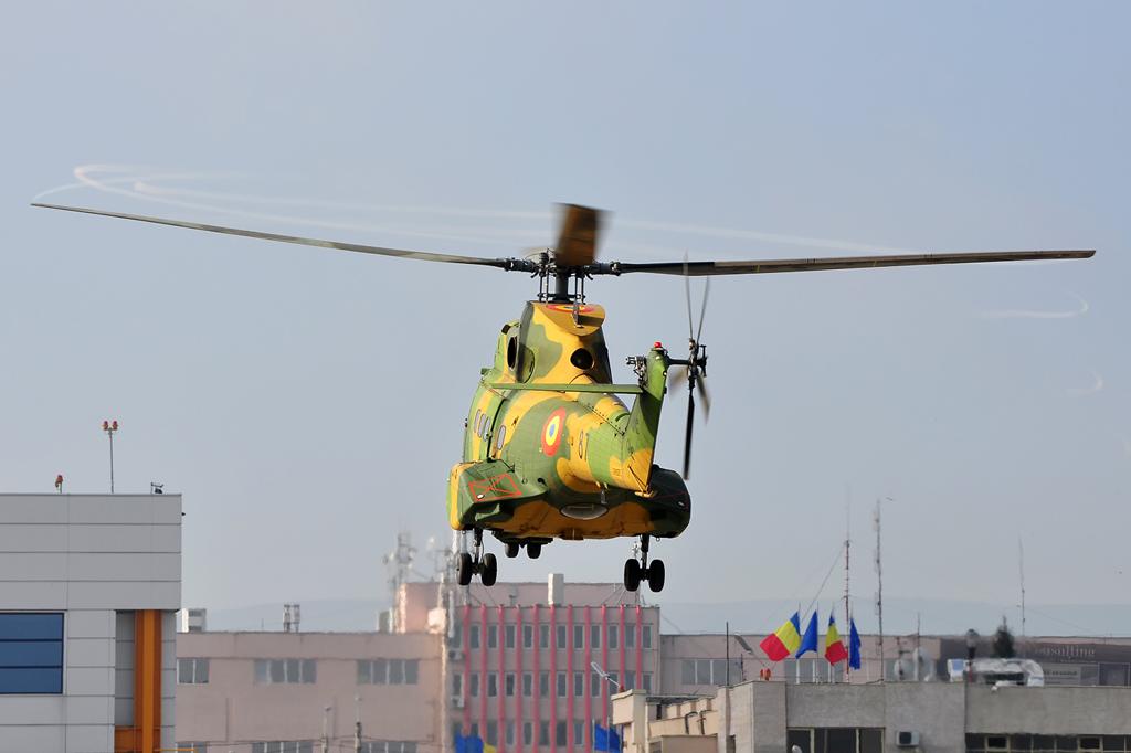 Cluj Napoca Airshow - 5 mai 2012 - Poze 7145978229_73a71489e1_o