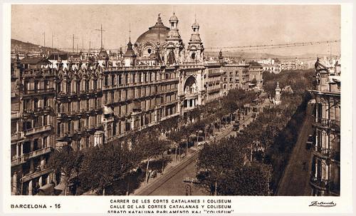 Barcelona, calle de les Corts Catalanes i Coliseum, foto:  archivo Zerkowitz. by Octavi Centelles