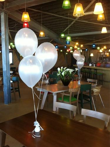 Tafeldecoratie 3ballonnen Paviljoen aan Zee Oostvoorne