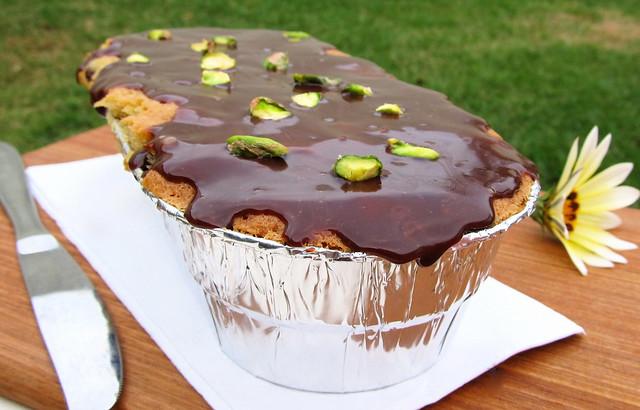 bolo de pera, pistache e chocolate