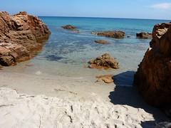 Sentier littoral Rondinara-Tavonata : une petite plage sympa sous le sentier