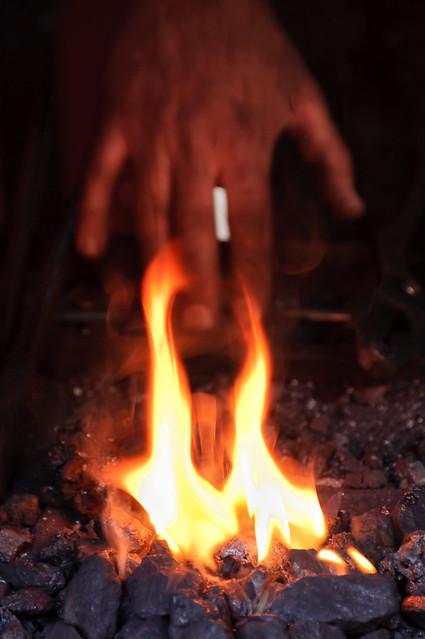 ci metto la mano sul fuoco....