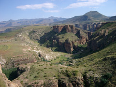 mountain, valley, mountain range, hill, geology, ridge, plateau, fell, terrain, landscape, wadi, aerial photography, badlands, escarpment, mountainous landforms,