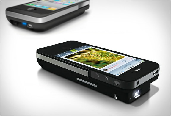 iphone-pocket-projector