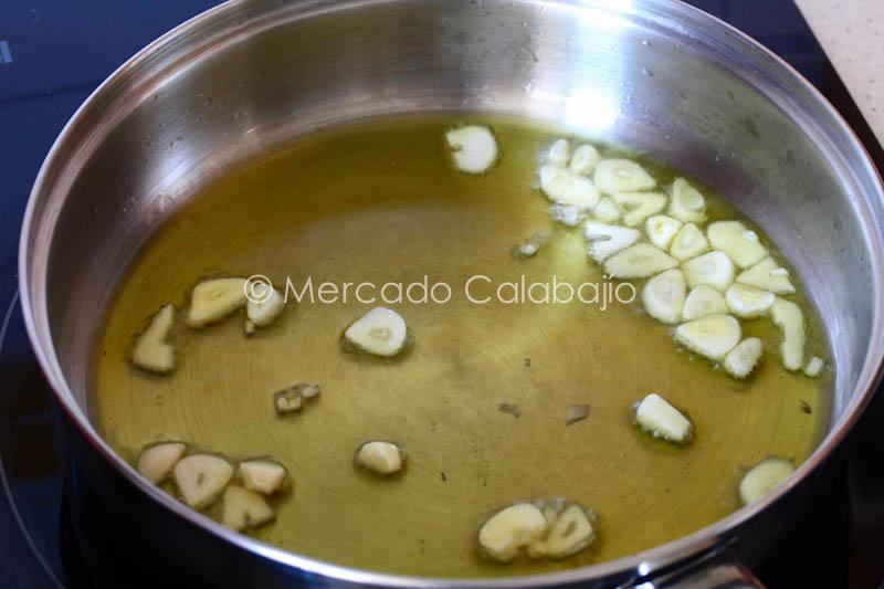 COCOCHAS DE BACALAO CON GUISANTES-16