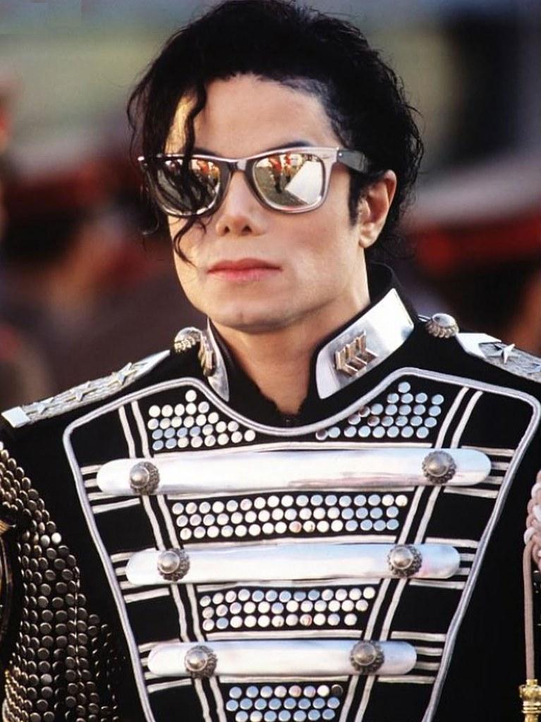 Фото | Майкл Джексон в очках