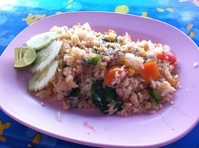 27. Street Food Phra Ram 9