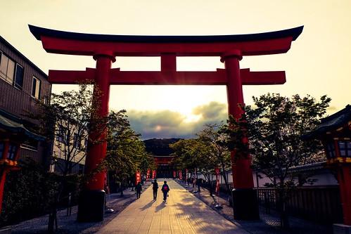 light red people sun 3 japan sunrise temple dawn three kyoto gate shrine shadows buddhist torii vermilion
