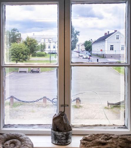 tullihuone rantakatu museum raahe finland window old building july summer street