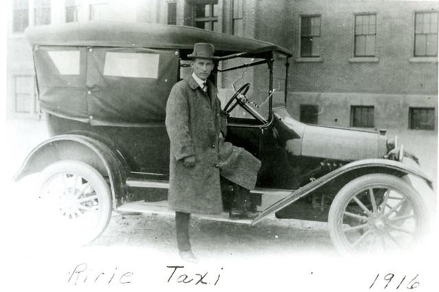 Ririe Taxi