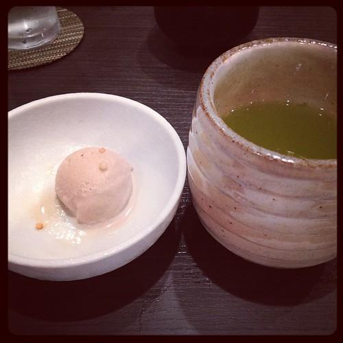 Postre: helado de judía + té verde #japon #japan #tokio #tokyo